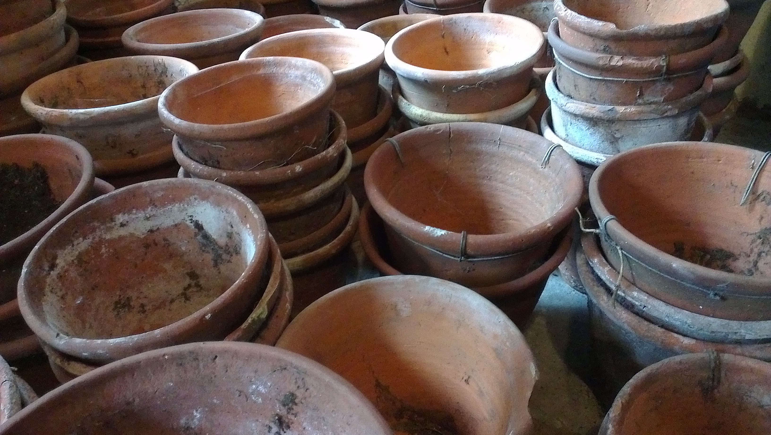 Victorian Terracotta Pots Clay pots Old pots Old flower pots